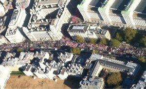 Meer dan 50.000 studenten protesteren in Londen tegen bezuinigingen